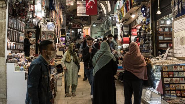 Agitație în Turcia, care intră în lockdown. Cum a ajuns țara de la un model lăudat de OMS la cea mai mare rată de infectare din Europa