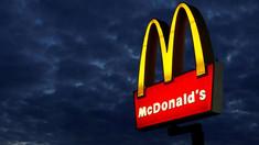 SUA| McDonald's va promova vaccinarea anti-COVID-19 pe ceștile de cafea și comenzile livrate la domiciliu
