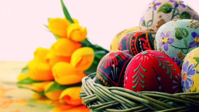 Creștinii ortodocși sărbătoresc Sfintele Paști