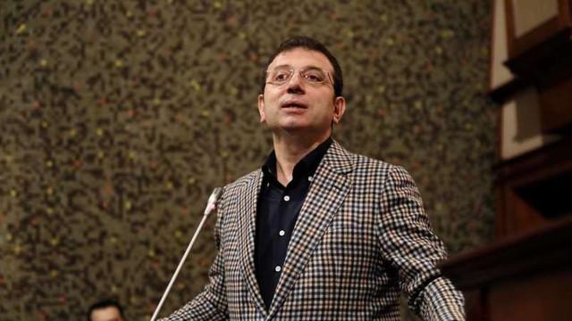 Anchetă împotriva primarului Istanbulului pentru 'lipsă de respect' față de un sultan