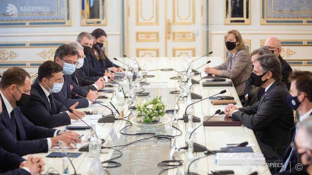 Șeful diplomației americane îi cere Rusiei să-și înceteze acțiunile agresive față de Kiev