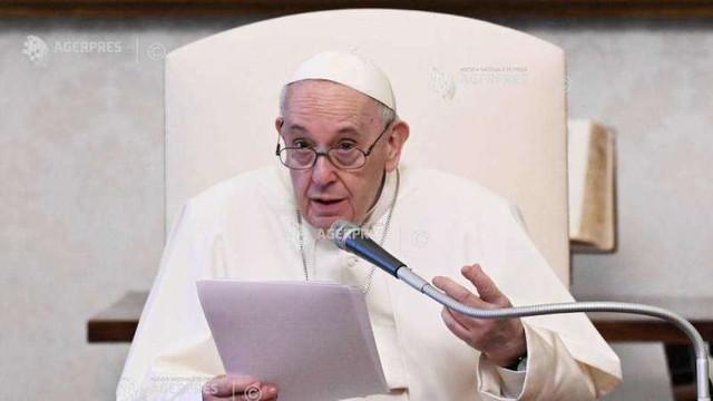 Papa aduce un omagiu eforturilor medicilor indieni