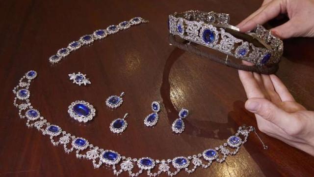 Bijuterii imperiale și un safir impunător, vedete ale licitațiilor tradiționale de la Geneva