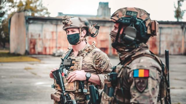 Imagini foto spectaculoase   Forțele speciale române se pregătesc cot la cot cu unități de elită din SUA, Marea Britanie sau Ucraina