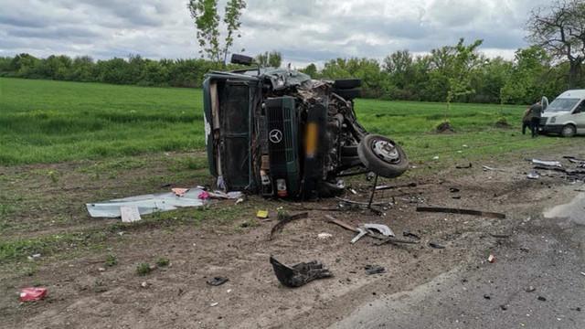 Accident violent cu implicarea unui microbuz de rută în municipiul Bălți. Opt persoane au fost rănite