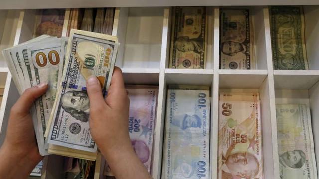 Institutul Internațional pentru Finanțe: Datoria mondială a scăzut pentru prima dată în ultimii doi ani și jumătate