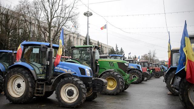 Prima tranșă din ajutorul umanitar sub formă de motorină, pe care România îl acordă R. Moldova, ajunge la Chișinău