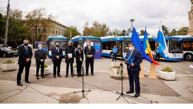 Locuitorii din Bălți beneficiază de transport public ecologic datorită achiziției a aproximativ 11 troleibuze noi, finanțate cu bani europeni. Peter Michalko: Acesta este un rezultat concret pentru cetățeni
