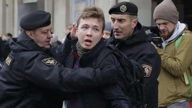 Avion deturnat la Minsk | Mărturii ale pasagerilor despre arestarea lui Roman Protasevici