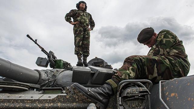 NATO: Zeci de mii de militari ruși au rămans în Ucraina și în jurul acesteia