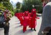VIDEO   Protest pitoresc pe teme climatice la summitul G7
