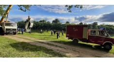 Salvatorii au evacuat o mașină căzută în râul Nistru