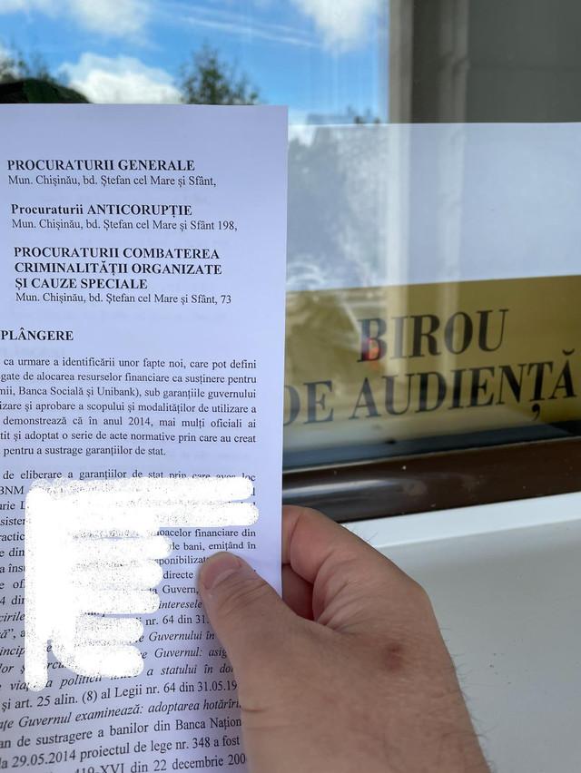 """Igor Munteanu a depus două plângeri penale la PG referitor la dosarele de rezonanță privind concesionarea Aeroportului și """"furtul miliardului"""""""