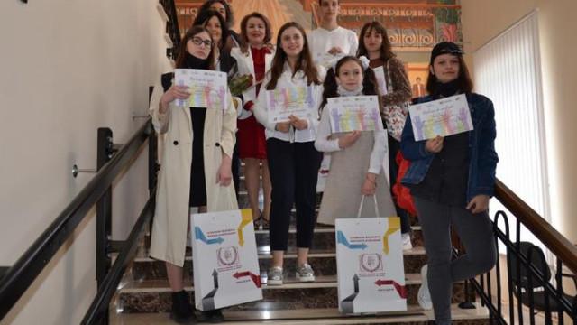 Un concurs național de arte plastice dedicat drepturilor copiilor a avut loc la Chișinău