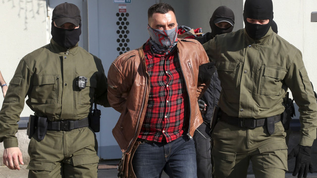 Un deținut politic al regimului Lukașenko a încercat să se sinucidă în sala de judecată