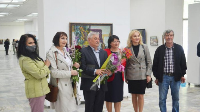 """Pictorul Liviu Hâncu și-a expus lucrările la Centrul Expozițional """"Constantin Brâncuși"""""""
