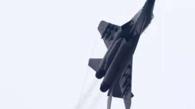 Cutia neagră a aeronavei MiG-29 prăbușite în Marea Neagră a fost găsită