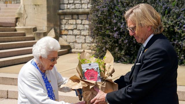 Cadoul primit de regina Elisabeta a II-a pentru a marca ziua de naștere a prințului Philip