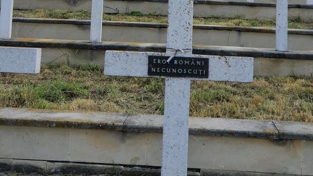 FOTO | Ambasada României la Chișinău a organizat la Cimitirul  de Onoare Românesc de la Țiganca o ceremonie de comemorare a eroilor români căzuți în luptele din vara anului 1941