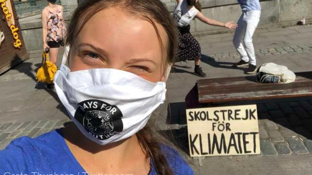 Activista de mediu Greta Thunberg și-a reluat protestele pentru climă în fața Parlamentului suedez