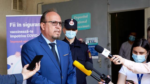 FOTO   Lotul cu peste 100 000 de doze de vaccin împotriva COVID-19 donat de România a ajuns la Chișinău