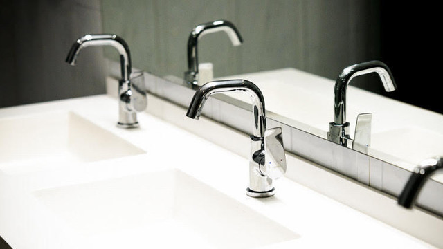 Consumatorii de pe mai multe străzi din Chișinău vor rămâne fără apă la robinet