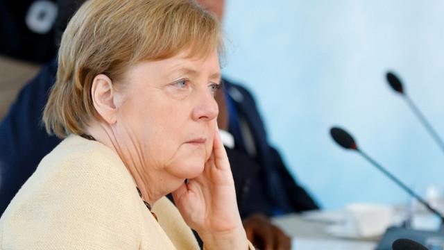Merkel spune că UE nu va semna acordul de investiții cu China dacă Beijingul nu interzice munca forțată