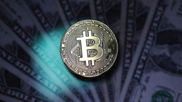 Bitcoin a crescut după un tweet al lui Elon Musk. Tesla ar putea vânde din nou mașini pe criptomenede
