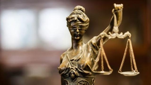Instabilitatea politică și corupția au afectat negativ reforma justiției, studiu