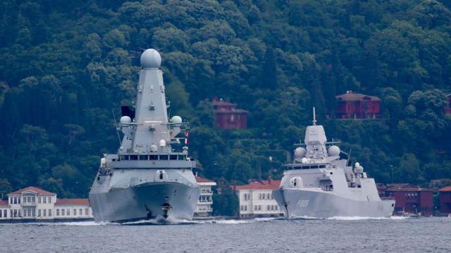 Defenseromania | Jocurile propagandistice ale Rusiei în cazul HMS Defender (Video). Distrugătorul britanic a fost hărțuit de avioane și nave rusești