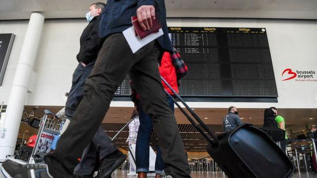Studiu: 72% dintre europeni intenționează să facă cel puțin o călătorie până la sfârșitul lunii septembrie