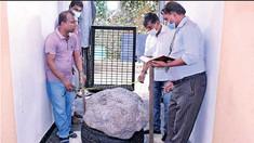 Cel mai mare filon de safire din lume a fost descoperit accidental în curtea unei case din Sri Lanka