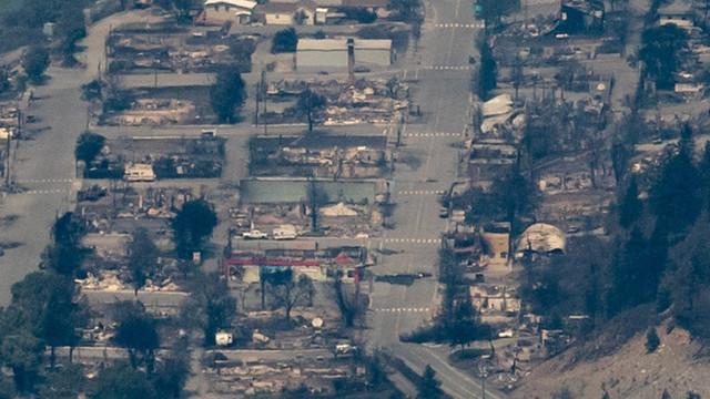 Lytton, orașul canadian care a ars complet după ce temperatura a ajuns aproape de 50 de grade