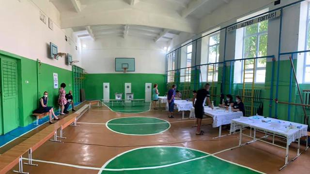 Siegfried Mureșan   La Ustia, Criuleni votează mai multe persoane din regiunea transnistreană decât pe parcursul întregii zile la alegerile prezidențiale