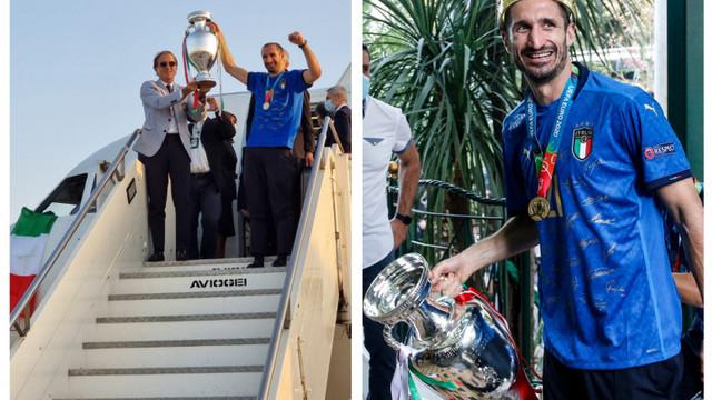 Echipa Italiei s-a întors acasă cu trofeul EURO 2020. Jucătorii, primiți ca niște eroi la întoarcerea la Roma de suporteri