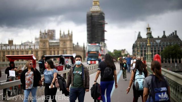 Persoanele vaccinate anti-COVID-19 nu mai intră în carantină la sosirea în Anglia după 2 august; testele rămân obligatorii