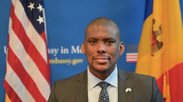 """VIDEO   Ambasadorul SUA la Chișinău Dereck J. Hogan: """"Plec, știind că relația noastră este puternică și în creștere. Mulțumesc, Moldova, pentru această minunată oportunitate"""""""