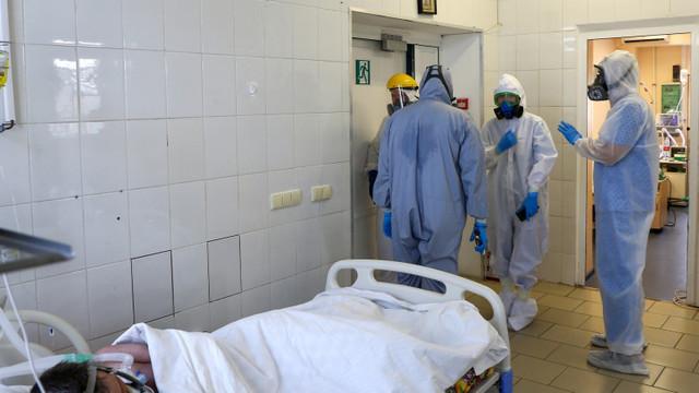 Spitalele din Tunisia sunt copleșite de numărul mare de cazuri COVID. Guvernul cere clinicilor private să preia pacienți