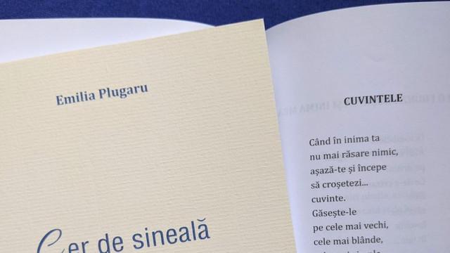"""A apărut """"Cer de sineală"""", versuri de dragoste de Emilia Plugaru"""