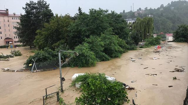 După temperaturi record, inundații de devastatoare pe coasta Mării Negre din Turcia