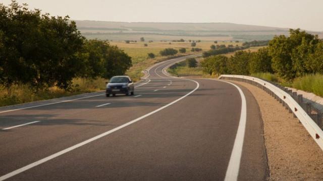 Raportul Curțiii de Conturi: Statul a pierdut aproape 23 de milioane de lei ca urmare a licitațiilor frauduloase pentru reparația drumurilor