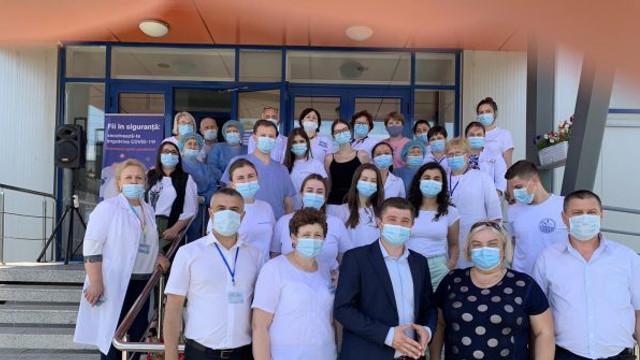 Sute de persoane, vaccinate anti-COVID-19 în cadrul maratoanelor de imunizare desfășurate în raioanele Briceni, Căușeni și Comrat