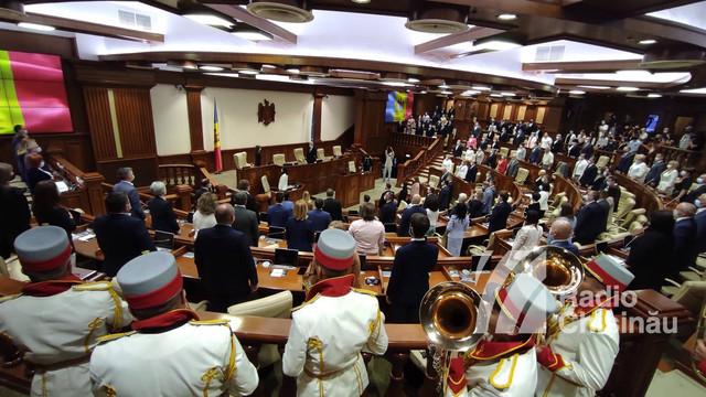GALERIE FOTO/VIDEO/ LIVE TEXT | Ședința de constituire a Parlamentului a fost întreruptă până joi