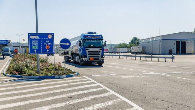 Serviciul Vamal al R. Moldova anunță restricții de circulație pe traseele din România din cauza caniculei