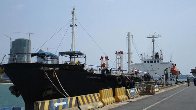 SUA confiscă un petrolier care încalca sancțiunile impuse Coreei de Nord