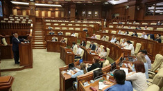 Prima sesiune de informare din cadrul  programului de inițiere pentru deputații aflați la primul mandat