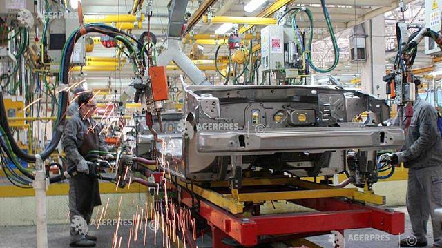 Deficitul global de cipuri afectează redresarea pieței auto franceze