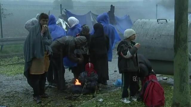 Lituania începe să respingă migranții din Belarus