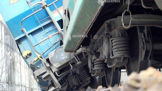 Cel puțin două victime în coliziunea a două trenuri în vestul Cehiei