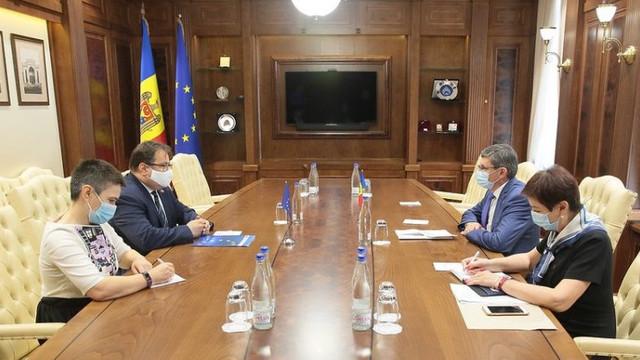 Președintele Parlamentului Igor Grosu a avut o întrevedere cu ambasadorul UE, Peter Michalko